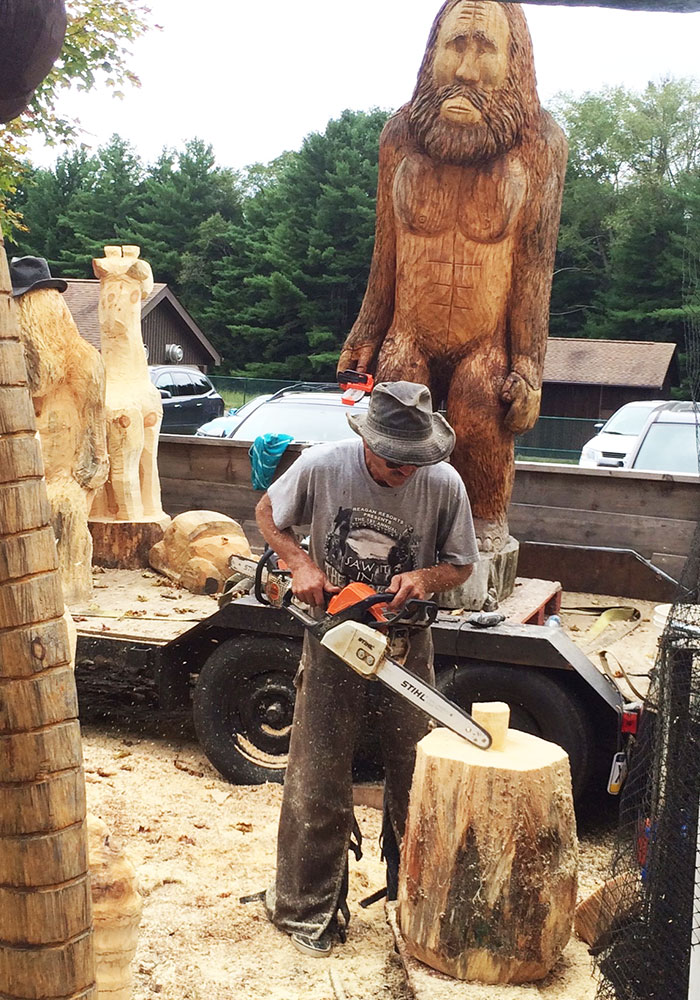 Chainsaw Carver