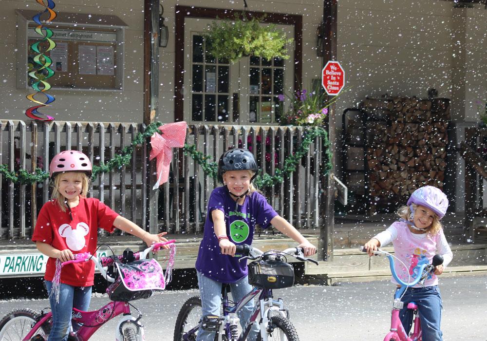 Christmas Event - Kids on Bikes