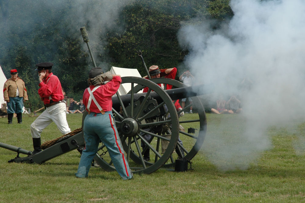 Civil War Camp - Artillery Firing